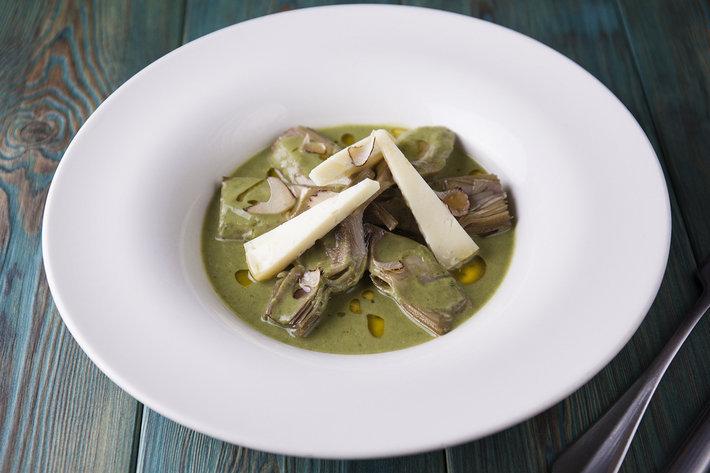 Cantinetta Antinori - Артишоки на пару с сыром Пекорино и черным трюфелем